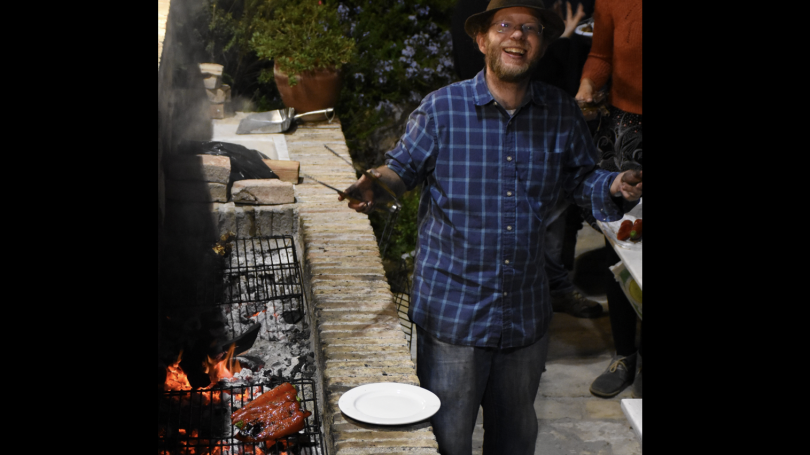 Flint Dibble barbecuing